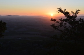 Daybreak in Montalcino: A Room with a view (and a favoritehotel)