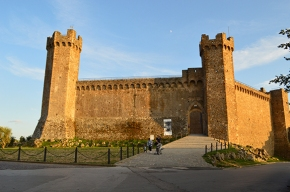 Montalcino travel tips: Useful information for your summer visit to Tuscan winecountry