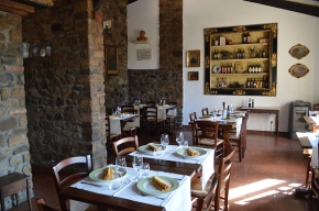 Classic Montalcino dishes for your summer wine and food tour in Tuscany