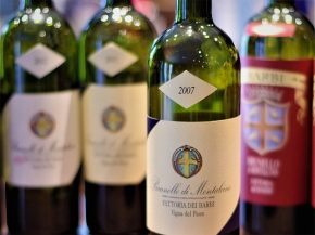 Leading Canadian wine blogger Joanie Metivier tastes Fattoria deiBarbi